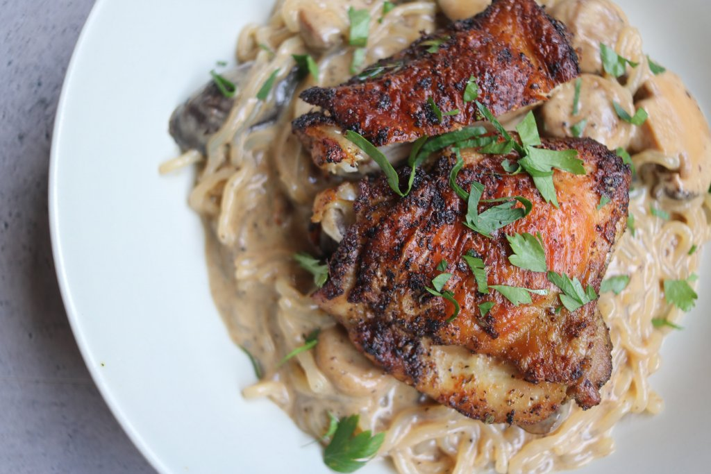 Looking for the ultimate in Keto comfort food. You need to try this delicious keto roasted chicken thighs with mushrooms.