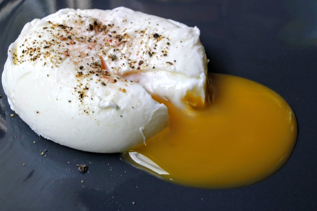 Poached eggs is a popular choice when eating out for breakfast. Learn how to poach eggs with this easy step by step guide. You will definitely save money.Poached eggs isa popular choice when eating out for breakfast, as making them at home can seem a little daunting. Not any more. Learn how to poach eggs with this easy step by step guide. You will definitely save money.