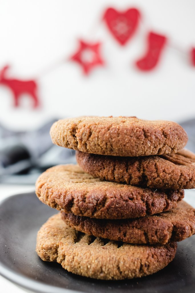 Looking for the perfect keto Christmas cookie? These keto gingerbread cookies are quick & easy. You won't miss the non keto version once you try these.